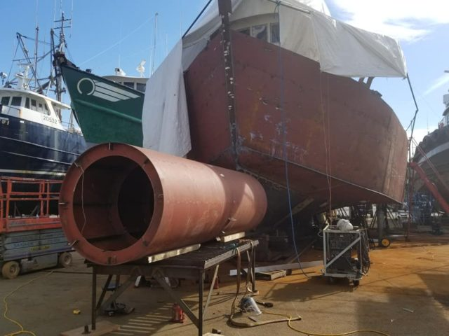 Bulbous bow on Lady Nell